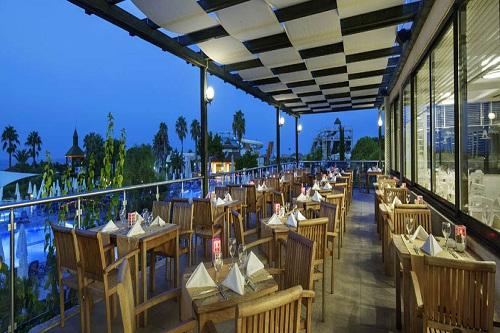 رستوران های هتل بلیس دلوکس بلک آنتالیا (رستوران اصلی)