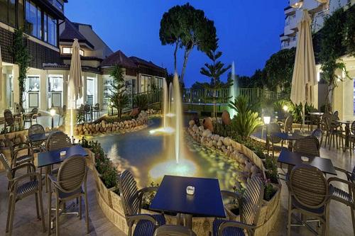 هتل بلیس دلوکس بلک آنتالیا (کافی شاپ های Cafe Bellis)