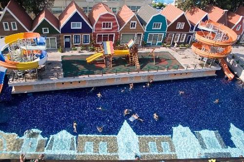 هتل اورنج کانتی آنتالیا (سرسره های آبی)