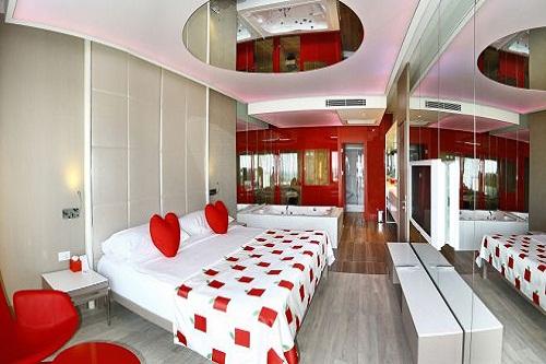 امکانات اقامتی هتل آدم و حوا (سرویس VIP هیون موُن)