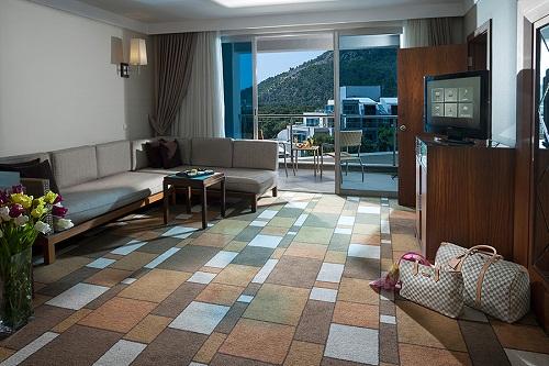 هتل ریکسوس سان گیت آنتالیا (اتاق استاندارد با منظرۀ باغ)