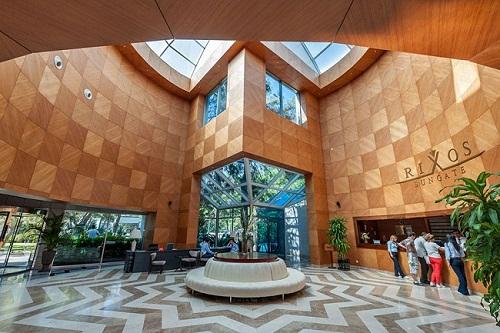 هتل ریکسوس سان گیت آنتالیا (ورودی هتل)