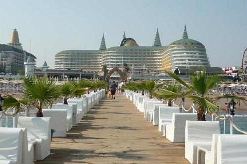 اسکله اختصاصی هتل دلفین امپریال