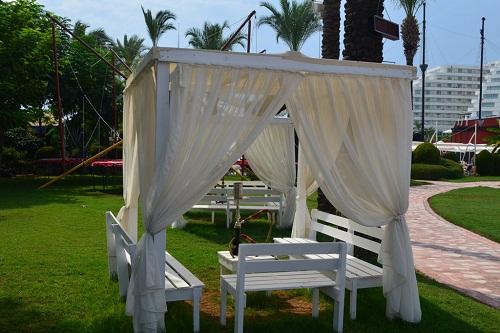 قلیان در هتل تایتانیک بیچ لارا آنتالیا Titanic Beach Lara
