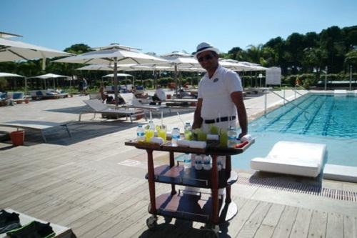 استخر Adult Pool هتل رگنوم