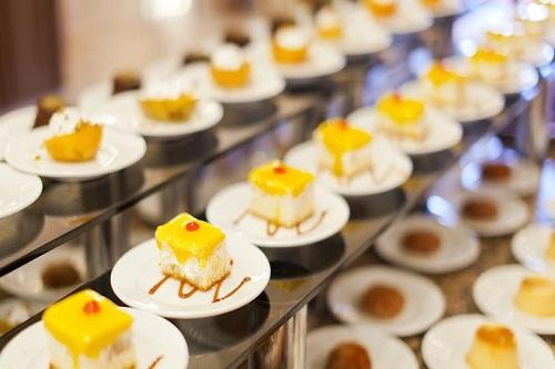 بخش شیرینیجات در رستوران اصلی هتل وو کرملین
