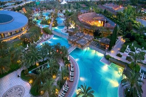 استخر های هتل رویال وینگز آنتالیا Royal Wings