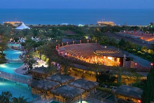 سالن روباز هتل رویال وینگز آنتالیا Royal Wings