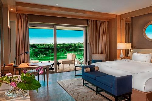 اتاق های استاندارد هتل رگنوم با منظرۀ زمین گلف