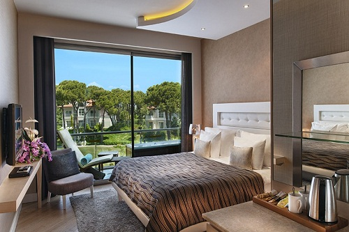 سوئیت های خانوادگی تراس دار هتل مکس رویال بلک آنتالیا