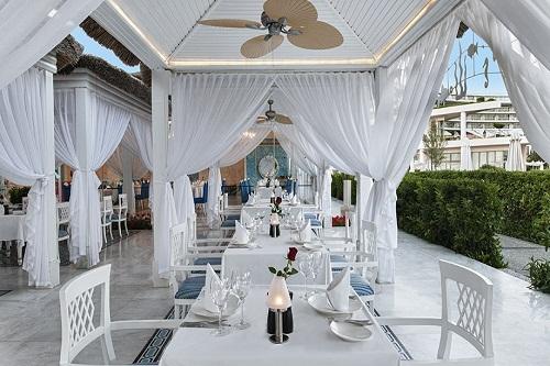 رستوران دریایی و یونانی Ocean's Restaurant هتل مکس رویال بلک آنتالیا