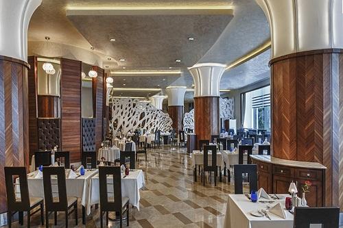 رستوران اصلی هتل مکس رویال بلک آنتالیا