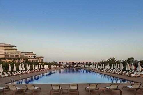 استخر اصلی هتل مکس رویال بلک آنتالیا