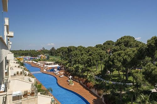 استخر مخصوص سوئیت های خانواده هتل مکس رویال بلک آنتالیا