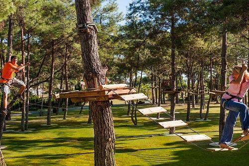 پارک جنگلی Adventure Park در هتل رگنوم