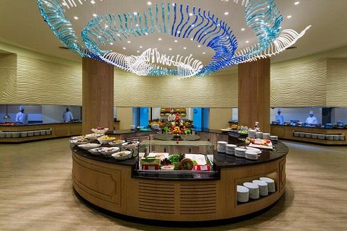 رستوران اصلی هتل تایتانیک بیچ لارا آنتالیا Titanic Beach Lara