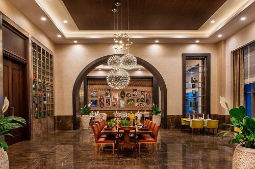 رستوران ایتالیایی Ristorante Tramonto هتل رگنوم