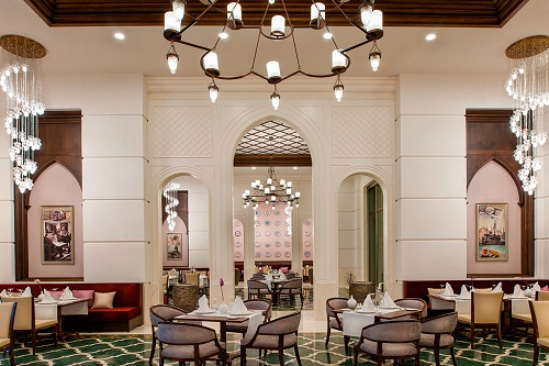 رستوران ترکی Ottoman Restaurant هتل رگنوم