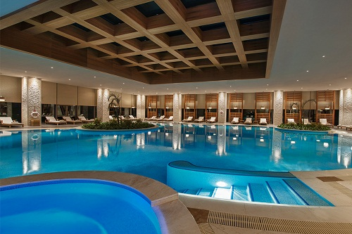 استخر سرپوشیده هتل مگنوم