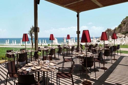 اسنک بار Bronze Steakhouse هتل مکس رویال کمر آنتالیا