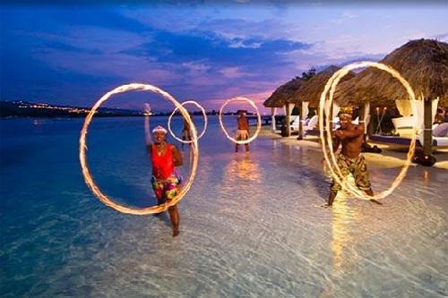 تفریحات ساحلی هتل تایتانیک دلوکس آنتالیا