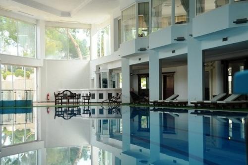 استخر سرپوشیده هتل رویال پالم ریزورت کمر آنتالیا Royal Palm Resort