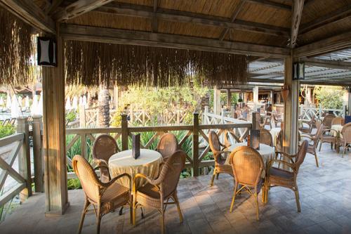 رستوران ساحلی Shore Snack Restaurant هتل رویال وینگز آنتالیا