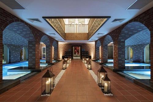 استخر سرپوشیده هتل تایتانیک دلوکس آنتالیا