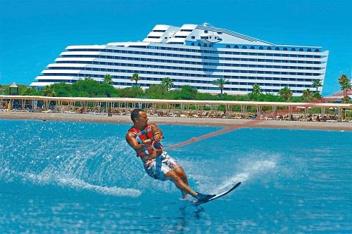 تفریحات ساحلی هتل تایتانیک بیچ لارا آنتالیا