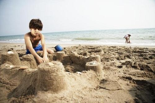 تفریحات ساحلی هتل 5 ستاره رگنوم
