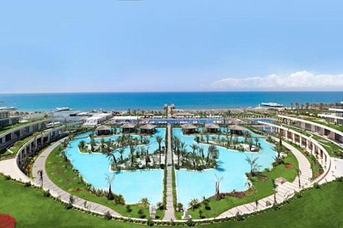 استخر مالدیو هتل مکس رویال بلک آنتالیا