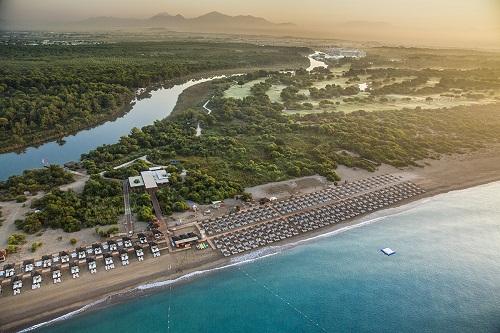 ساحل اختصاصی هتل تایتانیک دلوکس آنتالیا Titanic Deluxe Belek