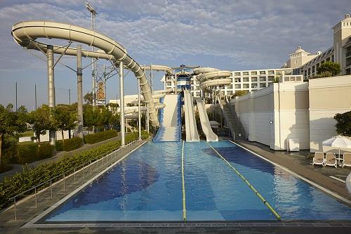 پارک آبی بزرگسالان هتل تایتانیک دلوکس آنتالیا