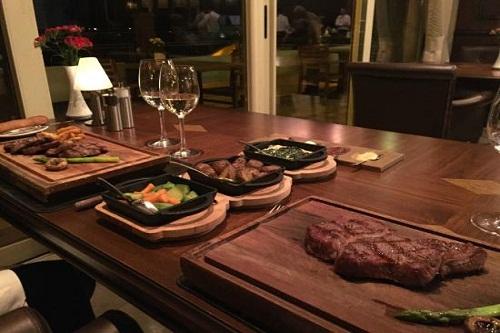 رستوران Bueno Steak House هتل مکس رویال بلک آنتالیا