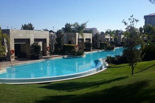 استخر Golf Residence Pool هتل مگنوم
