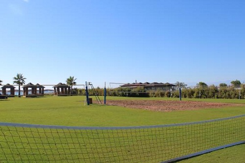 والیبال ساحلی در هتل رگنوم