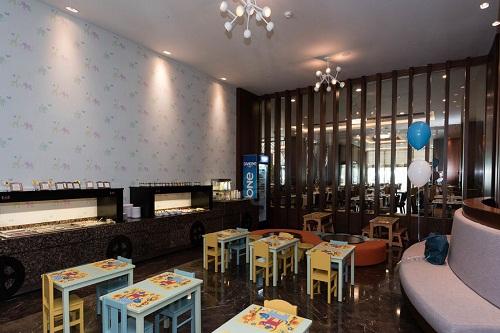 بخش کودکان رستوران اصلی هتل رگنوم