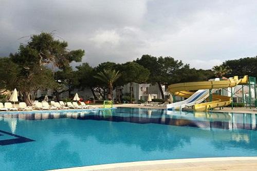 امکانات تفریحی هتل رویال پالم ریزورت ( پارک آبی و واترپلو)