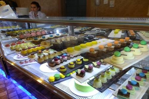 شیرینی پزی Il Patisserie هتل رویال وینگز آنتالیا