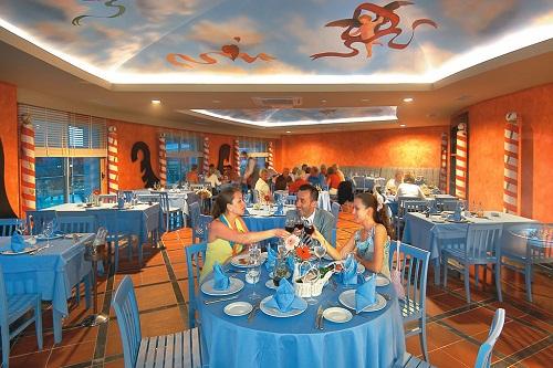 رستوران ایتالیایی Gondol Restaurant هتل رویال وینگز آنتالیا