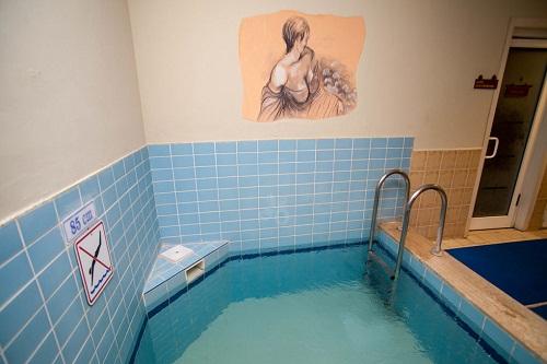 استخر آب سرد هتل وو کرملین