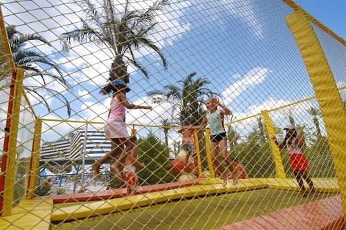 کلوپ کودکان هتل تایتانیک بیچ لارا آنتالیا Titanic Beach Lara