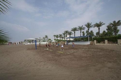 زمین والیبال ساحلی هتل تایتانیک بیچ لارا آنتالیا