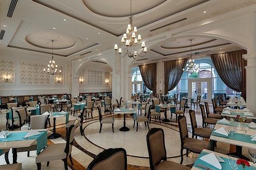 رستوران اصلی هتل تایتانیک دلوکس آنتالیا