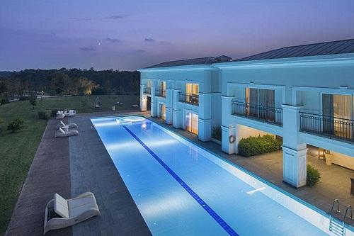استخر ویلا های هتل تایتانیک دلوکس آنتالیا