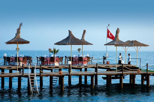 بار ساحلی اسکلۀ اختصاصی هتل توپکاپی آنتالیا