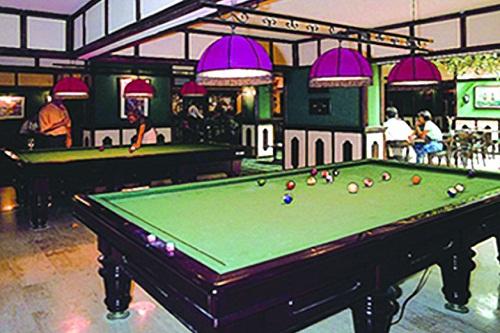 میز بیلیارد در هتل 5 ستاره آدونیس آنتالیا
