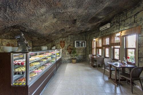 شیرینی پزی Tatli Patisserie در هتل شروود لارا