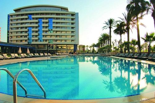 استخر اصلی هتل 5 ستاره پورتوبلو آنتالیا