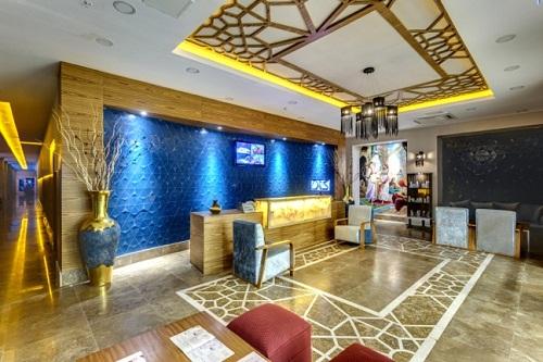 ورودی سالن ماساژ و سلامت هتل شروود لارا